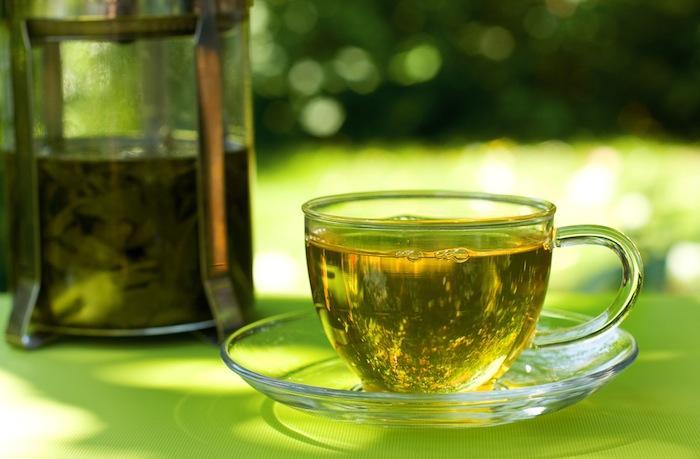 Le thé vert réduirait les effets néfastes du régime occidental