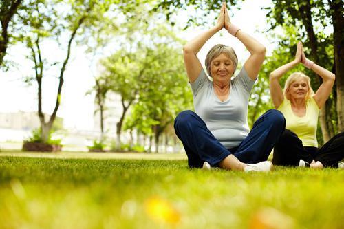 Troubles cognitifs : le yoga et la méditation utiles pour les formes légères