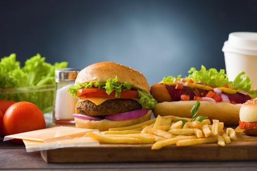Fast-food: des taux de phtalates élevés chez les consommateurs