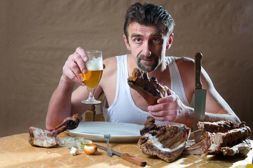 Les repas entre amis incitent les hommes trop manger for Que manger entre amis