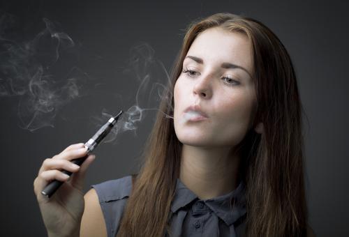 E-cigarette : un risque plus élevé de troubles respiratoires