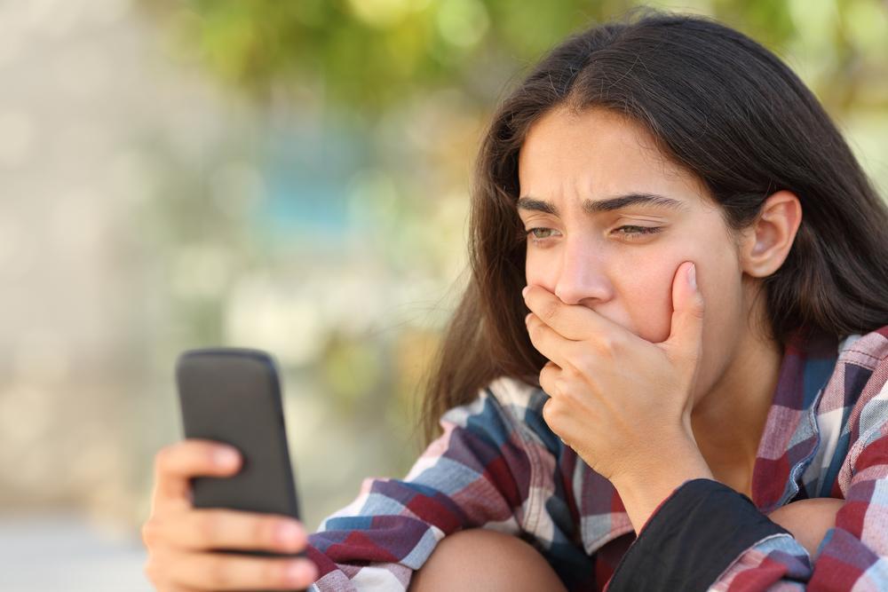 Suicide des adolescentes : attention aux smartphones