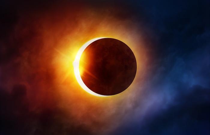 Eclipse: des Américains se mettent de la crème solaire dans les yeux