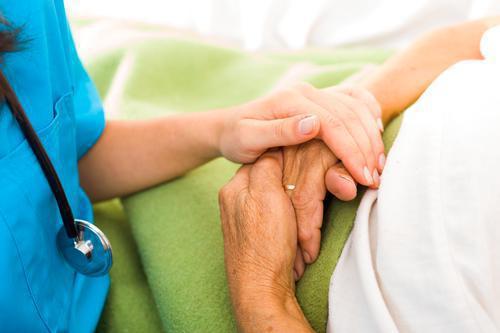 Alzheimer : où est-on le mieux pris en charge en France