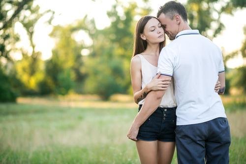 Sentir l'odeur de son partenaire diminue le stress. Le marketing des odeurs l'a compris depuis longtemps.