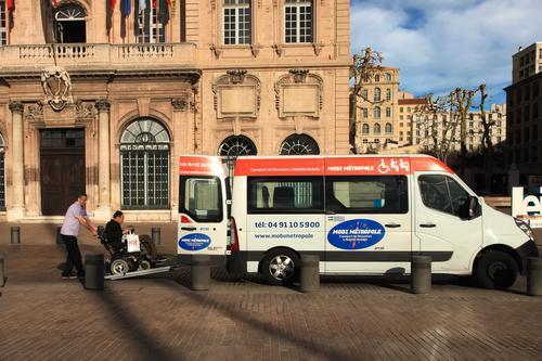 Transports sanitaires : la Sécu veut remettre de l'ordre