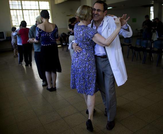 Ralentir l'évolution de Parkinson en dansant le tango