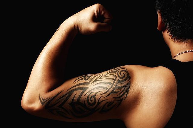 Tatouage : l'appel des dermatologues pour renforcer le contrôle des encres