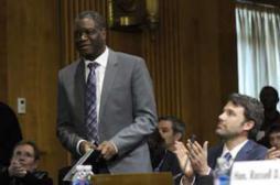 Dr Mukwege : l'homme qui répare les femmes violées reçoit un prix