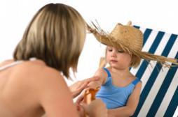 Dangers du soleil : la crème solaire indice 50 ne suffit pas