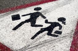 Prévention routière : des bandes réfléchissantes sur les cartables