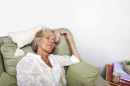 Alzheimer : les femmes jalouses sont plus à risque