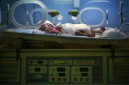 Royaume-Uni : la CEDH autorise l'arrêt des soins sur un bébé