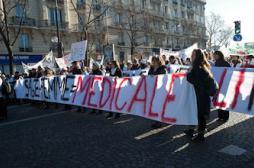 Sages-femmes : le Collectif menace d'une crise sans précédent