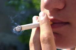 La cigarette bannie de certains lieux publics extérieurs