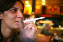 La  cigarette électronique bientôt interdite aux mineurs