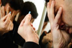 Les raisons qui poussent 10 000 Français au suicide tous les ans
