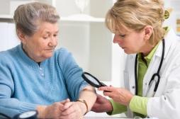 Mélanome : deux traitements évitent les récidives