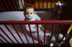 La tétine empêche les bébés de bien entendre