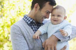 Grossesse: les variations hormonales touchent aussi les hommes