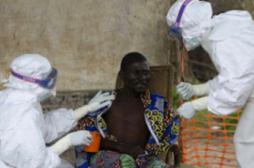 Ebola : comment les agents de santé se contaminent