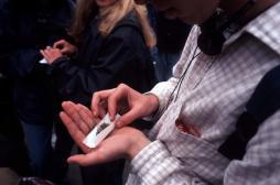 Cannabis : la légalisation n'incite pas les jeunes à fumer