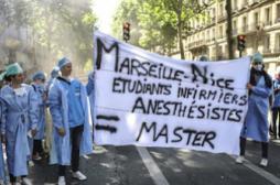 Sages-femmes et infirmiers-anesthésistes obtiennent le grade de master