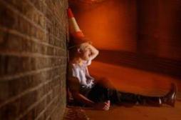 Boire rendrait plus séduisant : une étude controversée