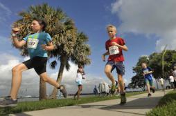 Le poids ralentit la course de nos enfants