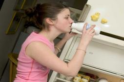 Boire du lait à l'adolescence ne protège pas des fractures
