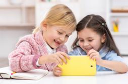 Ecrans : les pédiatres les déconseillent pour les moins de 3 ans