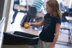 Fruits et légumes à l'école : les enfants les jettent souvent