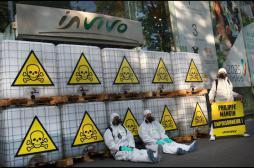 Greenpeace : des militants bloquent la coopérative InVivo