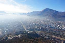 Pollution : Grenoble rétablit la vignette auto