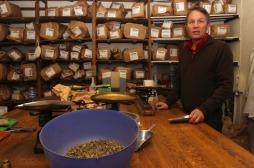 Viralgic : l'herboriste parisien encourt un an de prison ferme