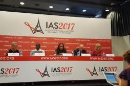 VIH : les moyens de la lutte doivent s'adapter aux jeunes patients