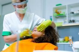 Covid-19 : peu de risque de l'attraper chez le dentiste