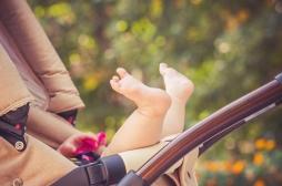 [VIDEO] Bébé en poussette : l'erreur à ne surtout pas commettre au soleil