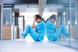 Lyon : une jeune interne en médecine se suicide après son stage