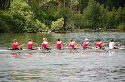 Aviron, vélo, natation : les meilleures activités physiques avec un cancer du sein