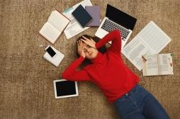 Les étudiants utilisant trop Internet sont moins motivés et plus stressés par leurs examens