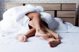 Des rapports sexuels hebdomadaires pour retarder la ménopause ?