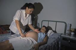 La mortalité maternelle a chuté de moitié en 25 ans