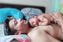 Césarienne: le peau à peau avec le père a un effet bénéfique pour le nourrisson