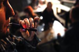 E-cigarette : les experts veulent l'interdire dans tous les lieux publics