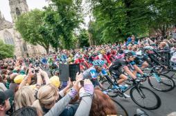 Urgences de Valognes : les usagers menacent de bloquer le Tour de France