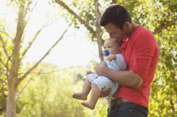 Congé de paternité : sept pères sur dix y ont recours