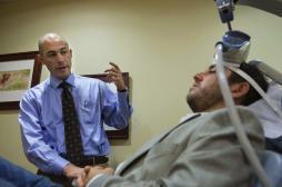 Parkinson : la stimulation magnétique améliore les troubles moteurs