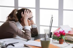 Rester assis longtemps accélère le vieillissement de la femme