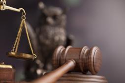 Un homme jugé pour avoir caché sa séropositivité à sa compagne